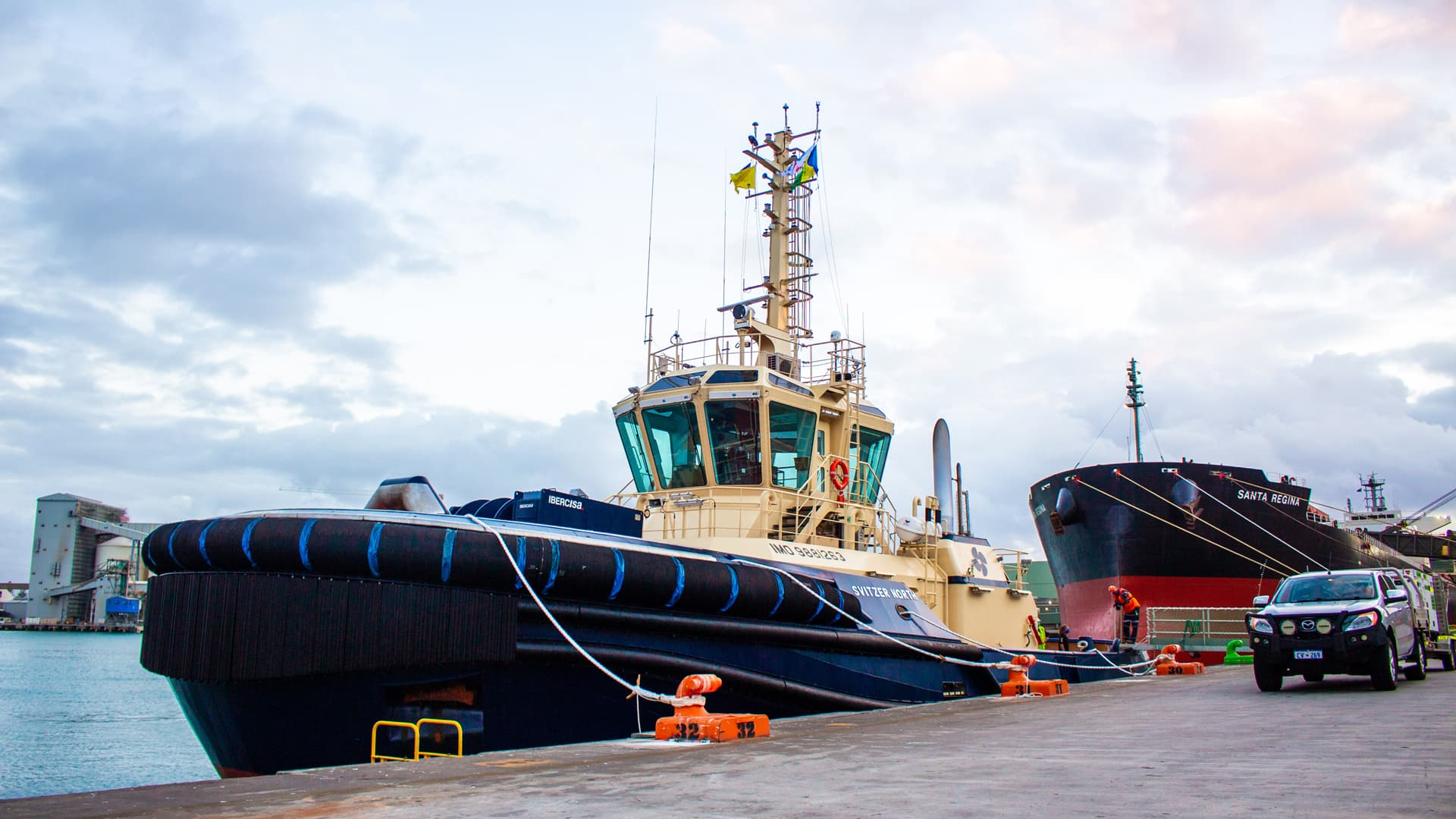 Svitzer North Arrival - Photo by Samuel MacLachlan